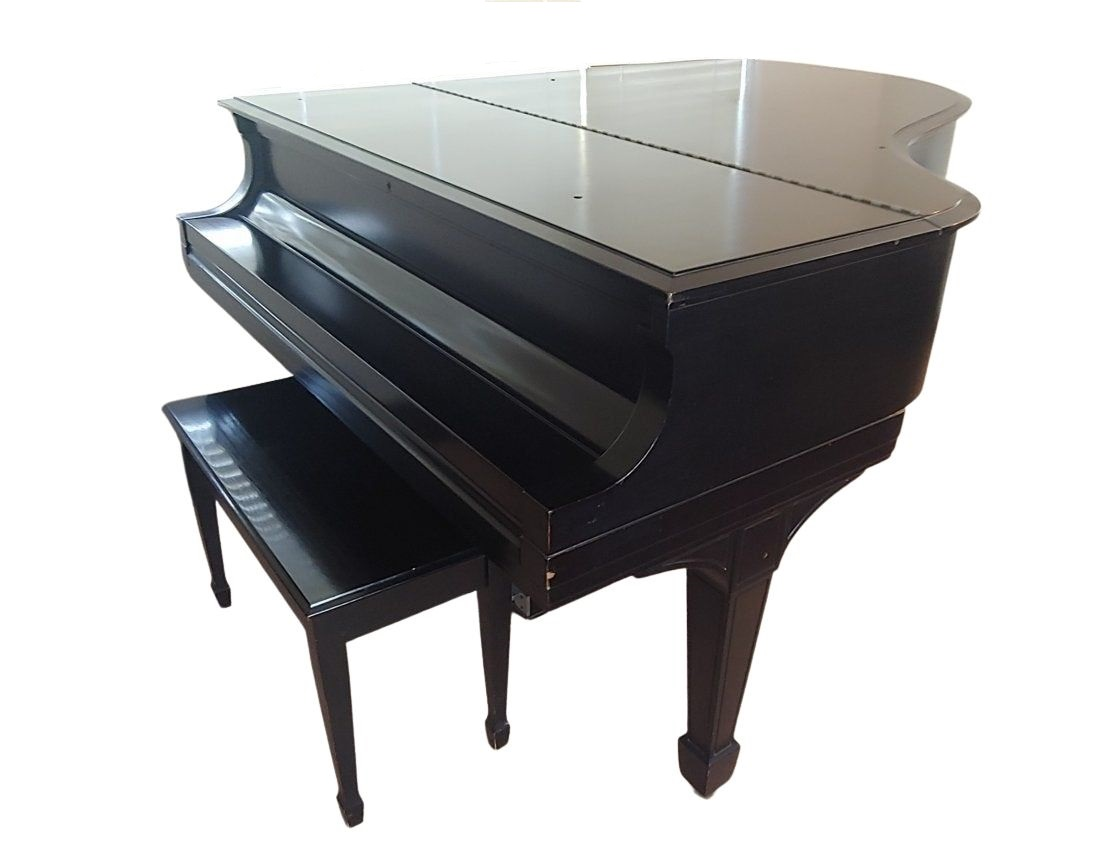 Steinway & Sons Model L Grand Piano - Case Closed View